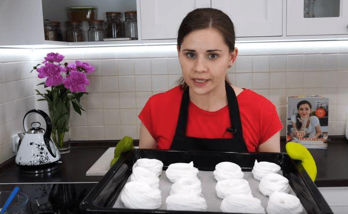 Творожное пирожное с клубникой шикарные безешки
