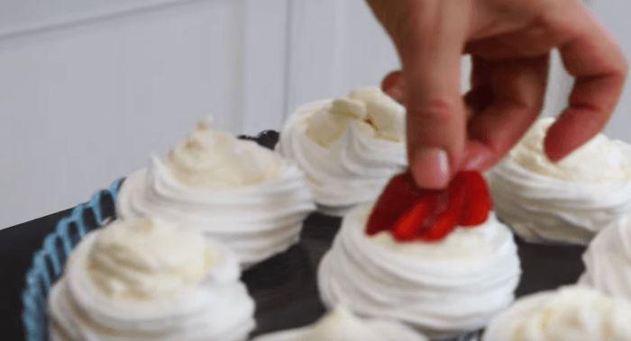 Творожное пирожное с клубникой какая красота получилась