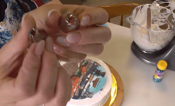 tort-s-vafelnoj-kartinkoj-17