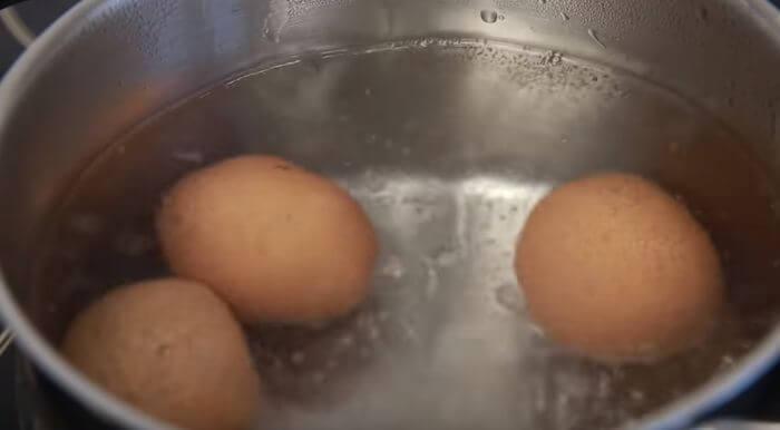 яйца варятся